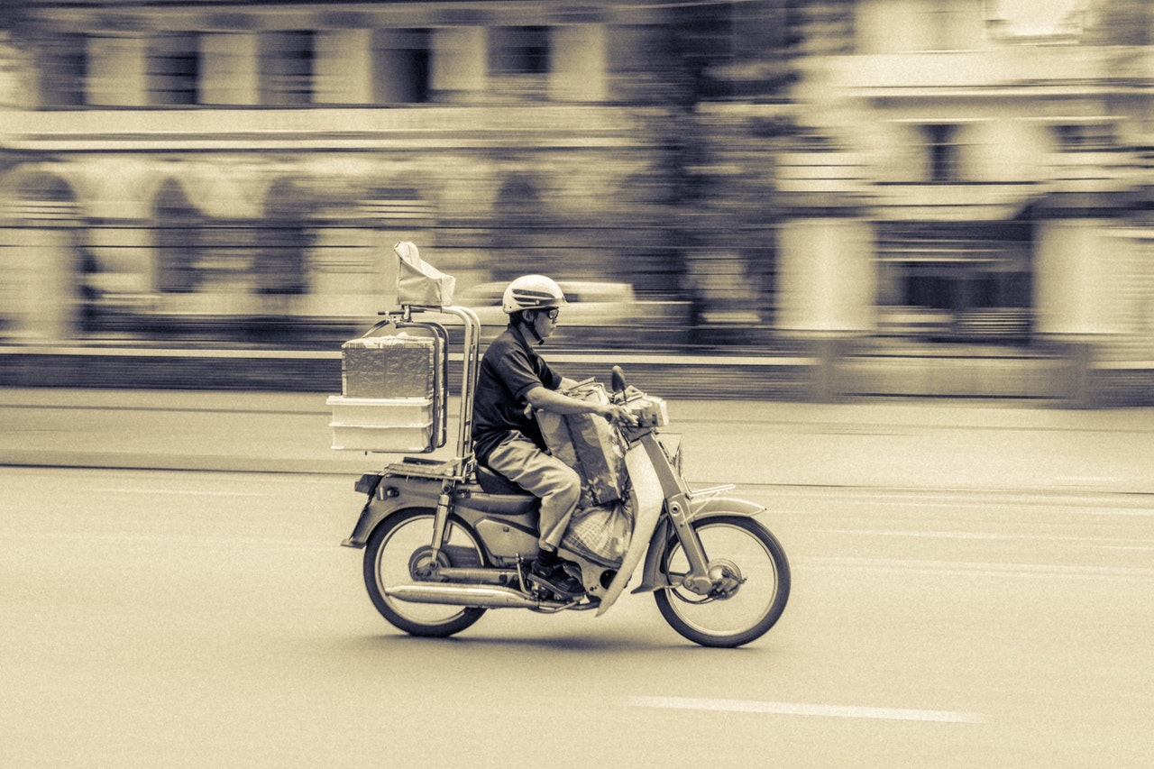 3 Reasons a Legal Firm Should Outsource Document Delivery